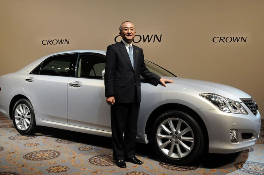 Toyota Crown podría encender motor al estilo SUV para el año 2022