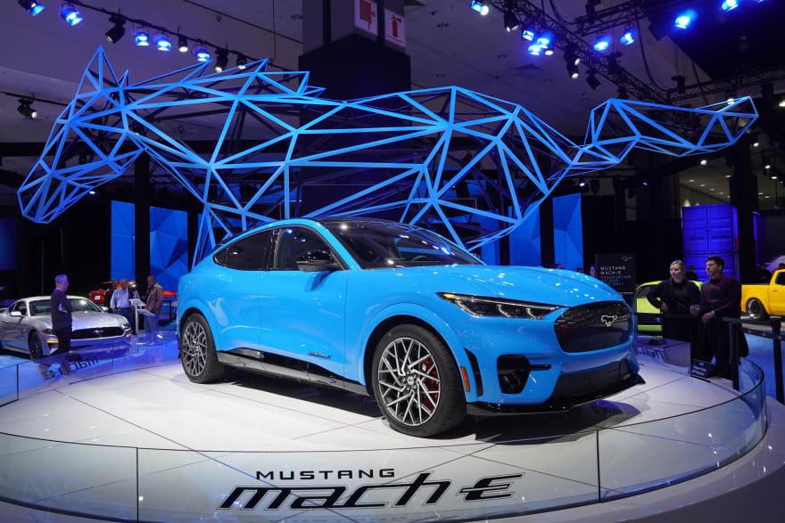 5 autos del futuro de Ford que brillan en diseño y tecnología