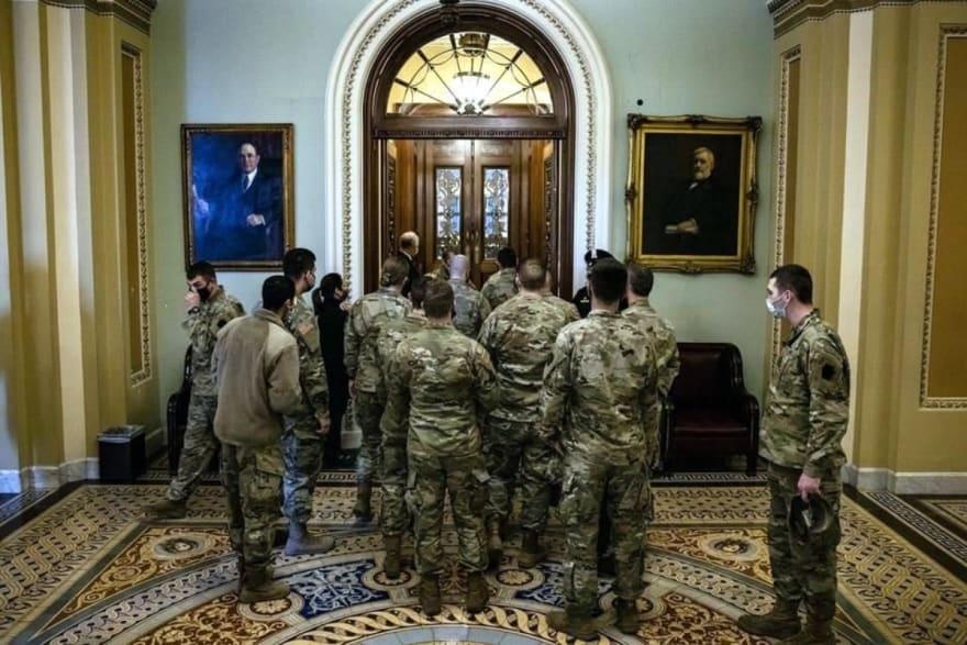 En su primer evento oficial, la primera dama Jill Biden lleva 'sorpresas' a las tropas de la Guardia Nacional
