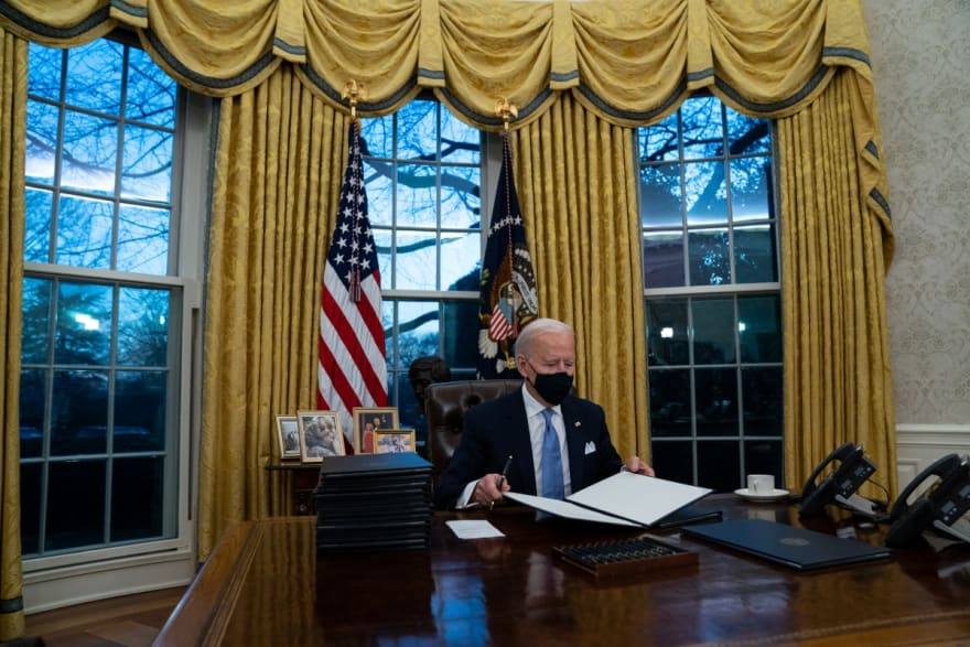 ¿Se hará realidad? Demócratas frenan expectativas sobre ley migratoria de Biden