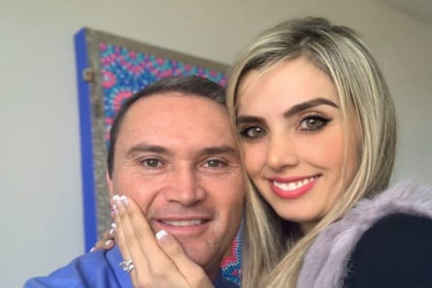 Carolina Novoa, esposa de Edgardo del Villar, reaparece tras la muerte del periodista