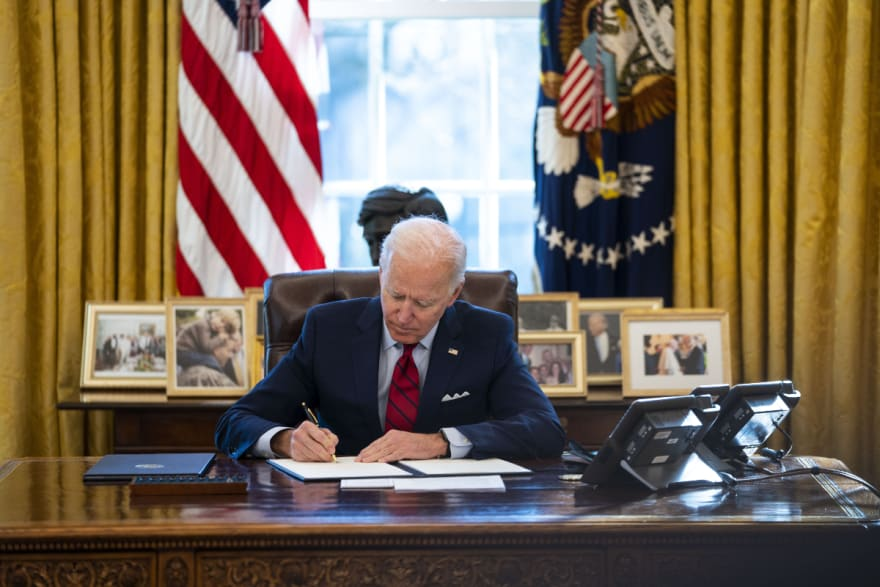 El presidente Biden retrasa órdenes sobre inmigración para la próxima semana