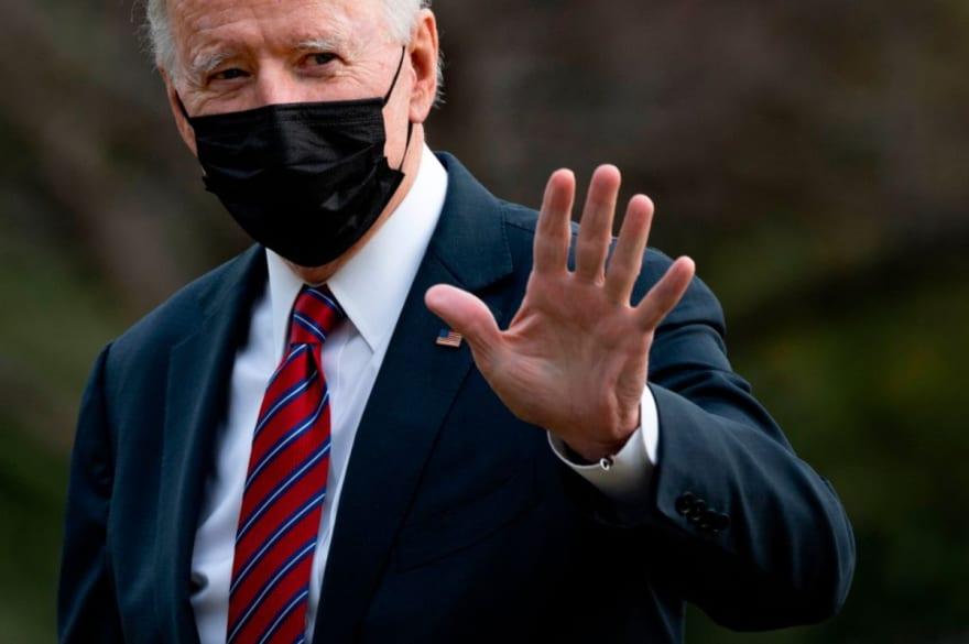 Aseguran que Biden anularía límites a visas impuestos por el expresidente Trump