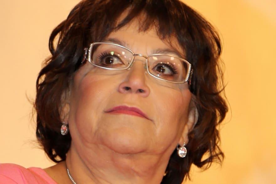 La señora Rosa, mamá de Jenni Rivera revela que tuvo un tumor en el riñón y comparte foto inyectándose