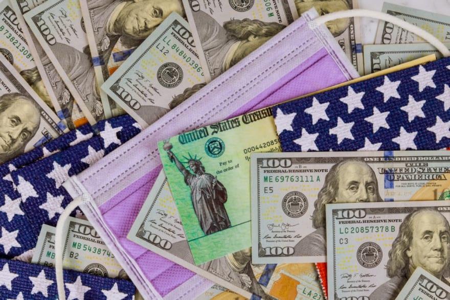 La mayoría ahorraría los $1,400 del tercer cheque de ayuda, según encuesta