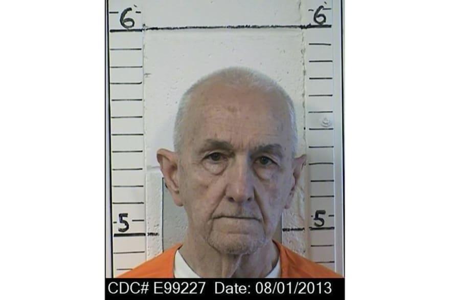 Asesino en serie que se salvó de la ejecución es asesinado en prisión