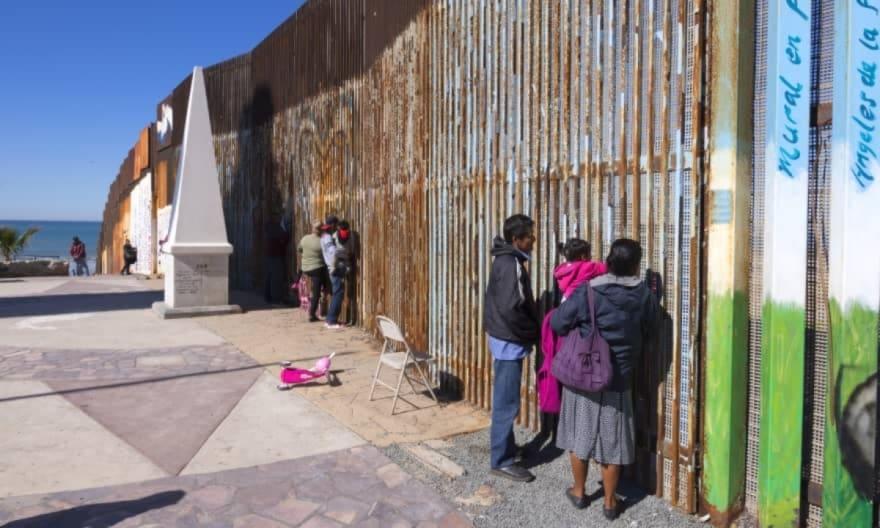 ¡Se le rebela! El gobernador de Arizona arremete contra el presidente Biden por lo que hace en la frontera