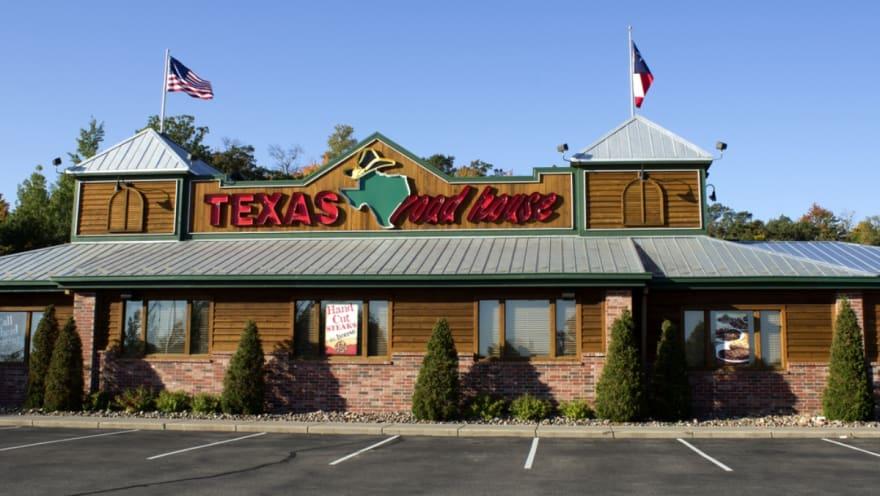 Se suicida fundador de Texas Roadhouse, Kent Taylor, tras batallar con el coronavirus