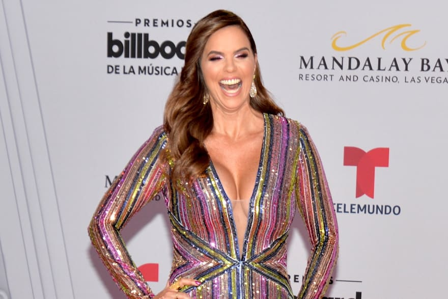 A sus 47 años de edad, Rashel Díaz anuncia que está embarazada
