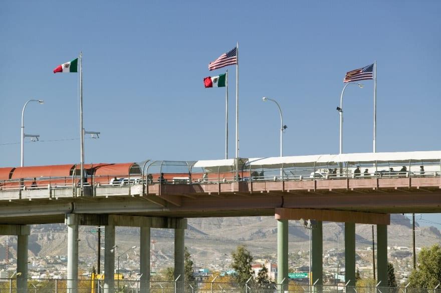 Gobierno extiende el cierre en las fronteras con México y Canadá