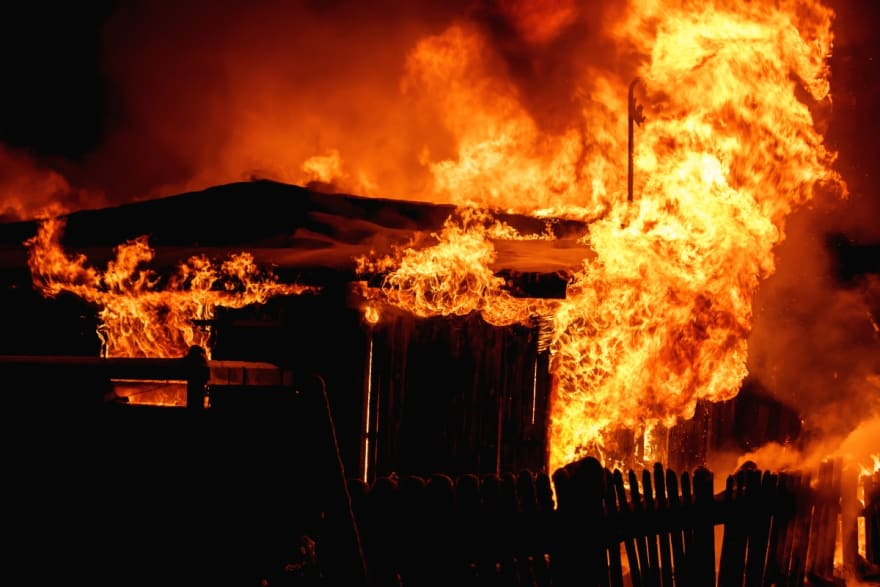 Emiten condena a hispano por intentar incendiar casa de exesposa, porque le retuvieron cheque
