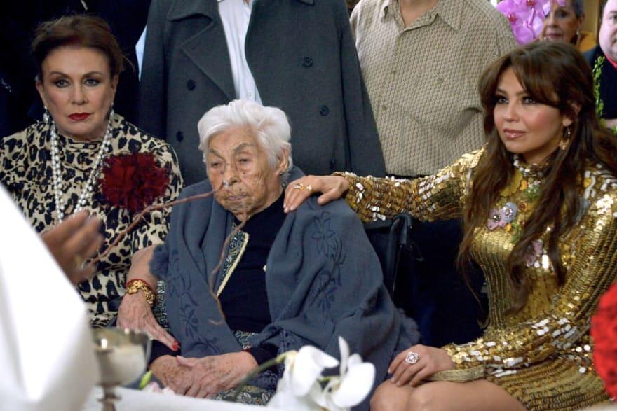 ¡Le piden que la deje descansar en paz! Hospitalizan de emergencia a la abuela de Thalía (FOTOS)
