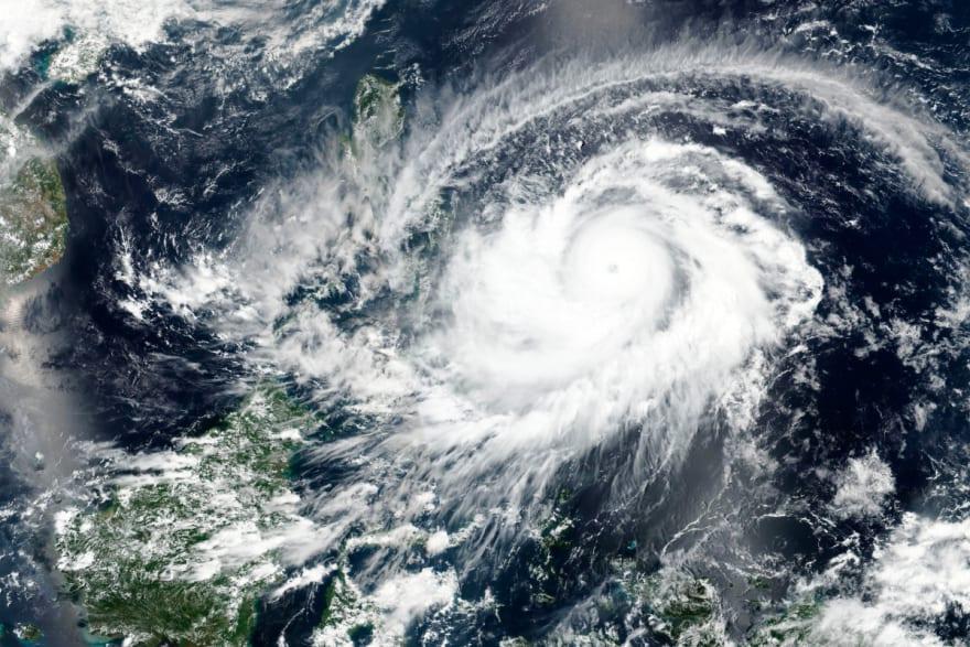 """Tormenta Bill está por convertirse en sistema """"extratropical"""" en el Atlántico norte"""