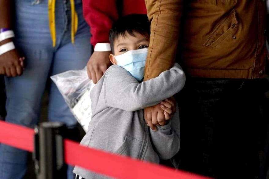 Más de 60 menores indocumentados dieron positivo al coronavirus