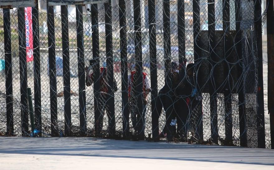 Mamás inmigrantes piden ciudadanía de regalo por día de las madres