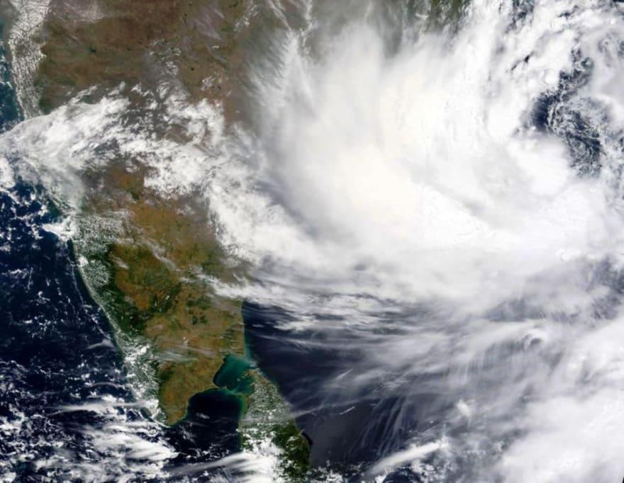 Miles de evacuados ante la llegada de un ciclón en India