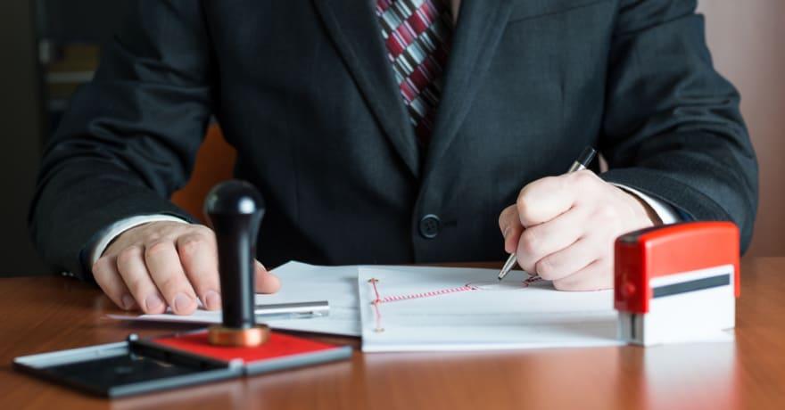 Encuentra notarios públicos en español cerca de ti