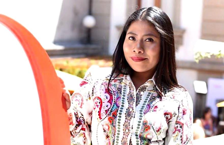 ¿Ahora será cantante? Coqueta, delgada y luciendo su voz, Yalitza Aparicio deja a todos asombrados (VIDEO)