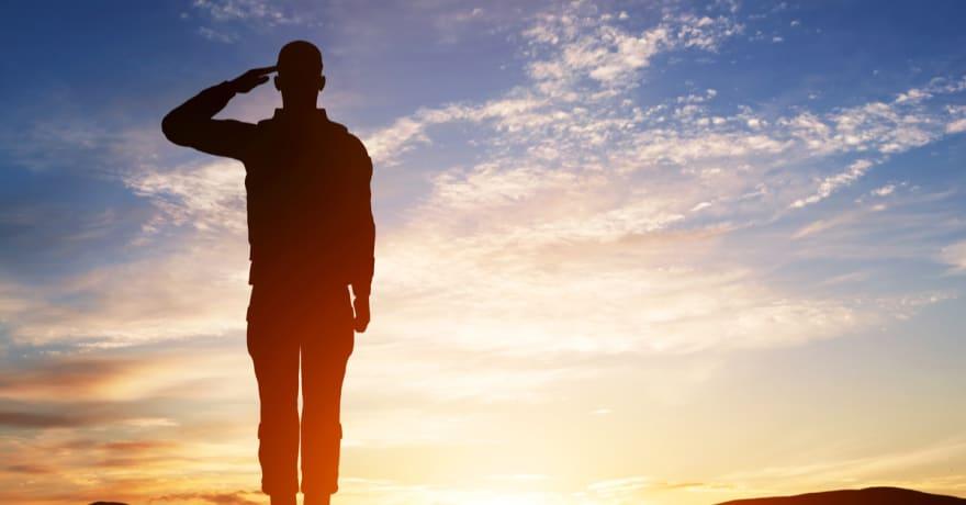 Veteranos del Ejército deportados por EEUU esperan regresar a casa