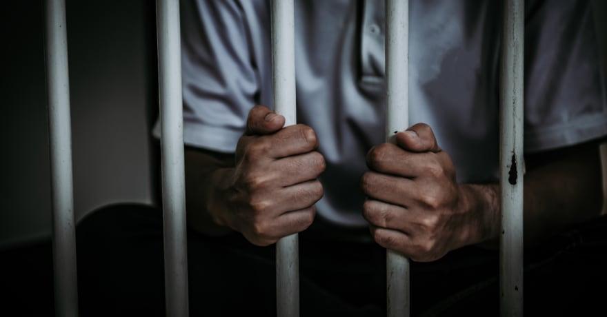 Los arrestos por marihuana agravan la desproporción de latinos encarcelados