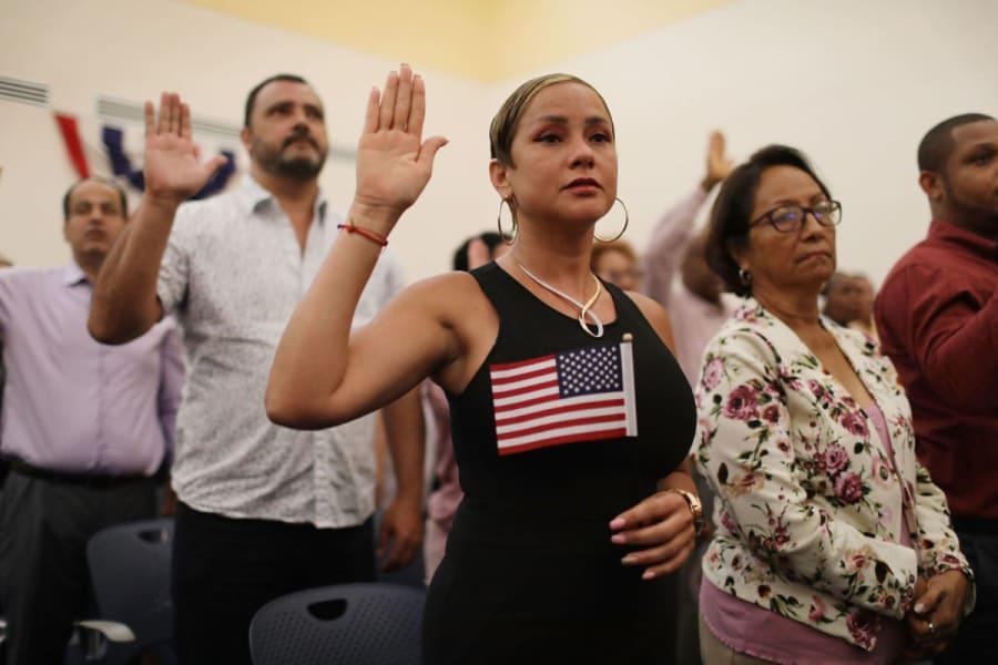 Estados Unidos espera acoger a 125,000 refugiados en el próximo año