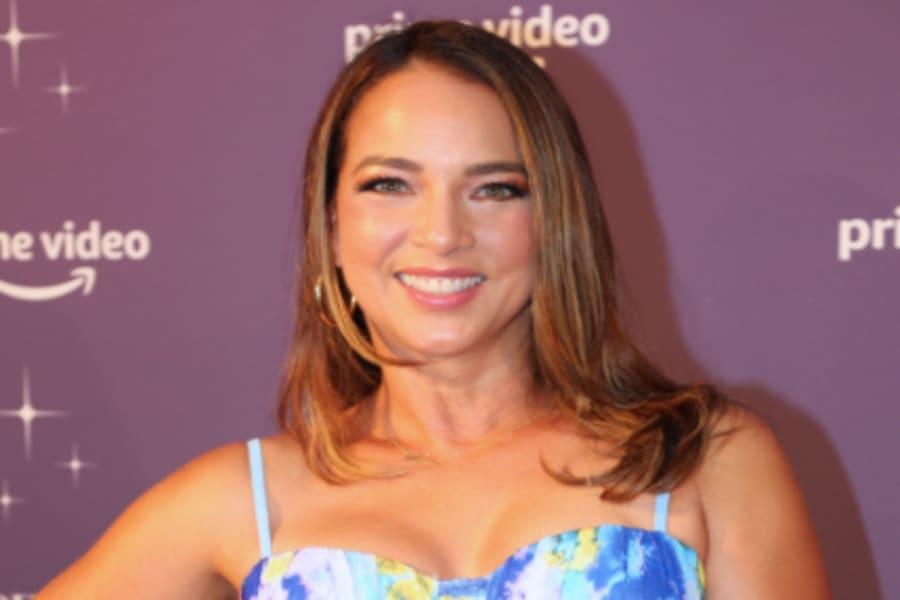 ¿La sabotean? En su debut como jueza en 'Así se Baila', critican a Adamari López por 'feo' vestido (FOTOS)