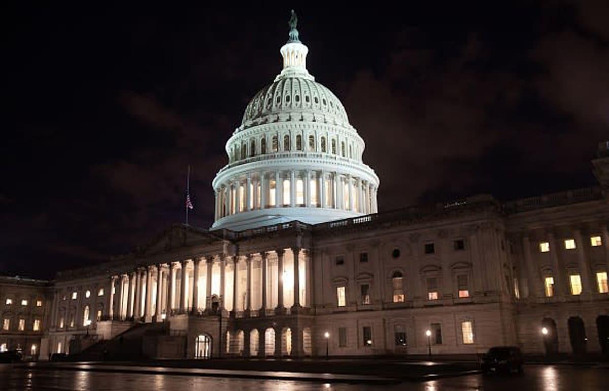 Legisladores nueva ayuda coronavirus, republicanos, demócratas