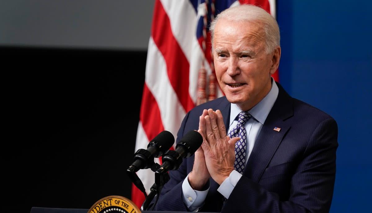 Biden restaura la tradición y presenta su declaración de impuestos