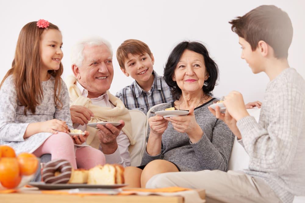 Día de los Abuelos en EE.UU.: los estados donde más los consienten