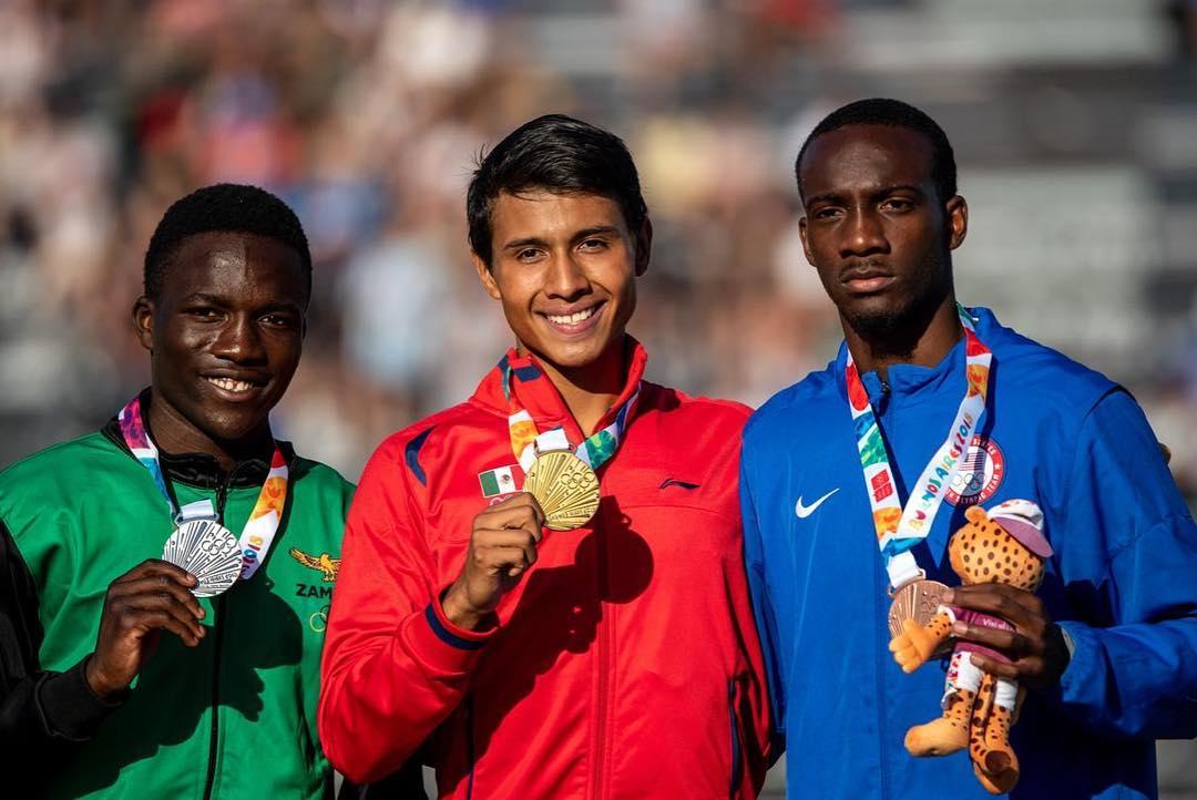 Izan al revés la bandera de México en Juegos Olímpicos (VIDEO)