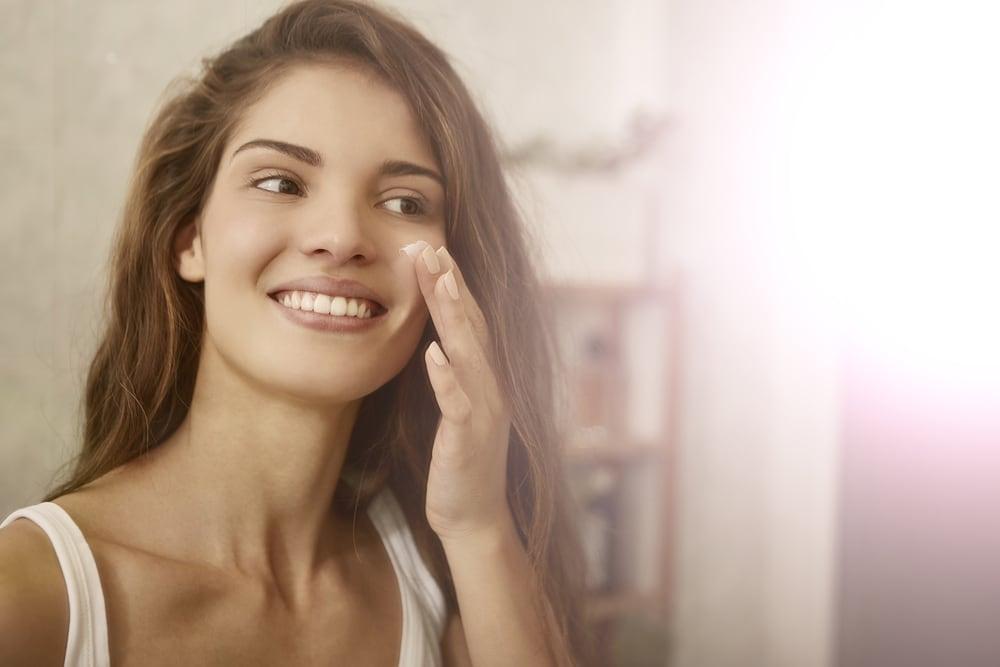 Lo esencial para una rutina facial nocturna paso a paso (VIDEO)