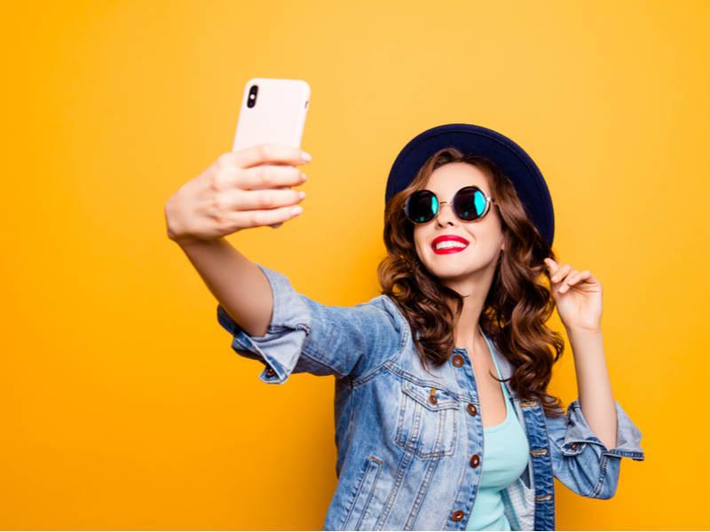 Selfies asombrosas: 7 consejos para que en tu selfie siempre salgas bien
