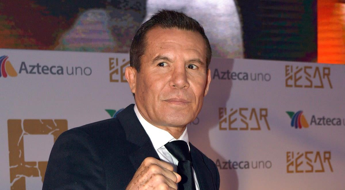 Julio César Chávez sale decepcionado de su hijo en pelea de box y 'Canelo' se burla (FOTOS)