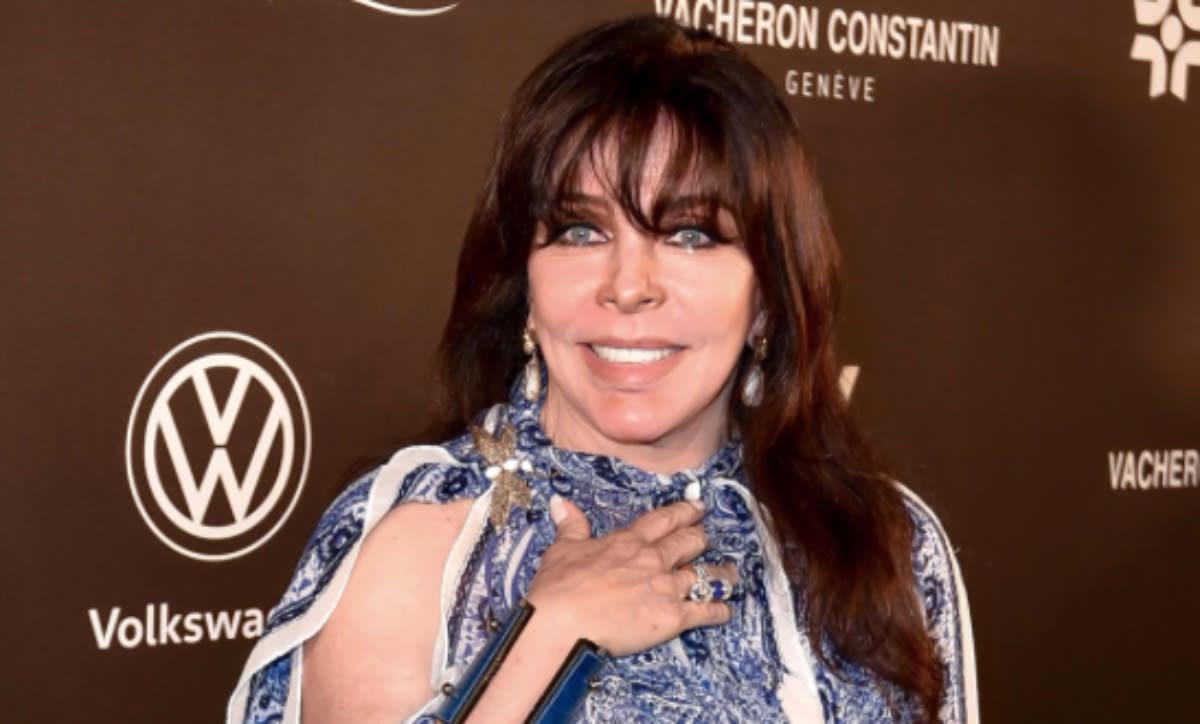 Verónica Castro reaparece en video a punto del llanto y cuenta por qué (VIDEO)