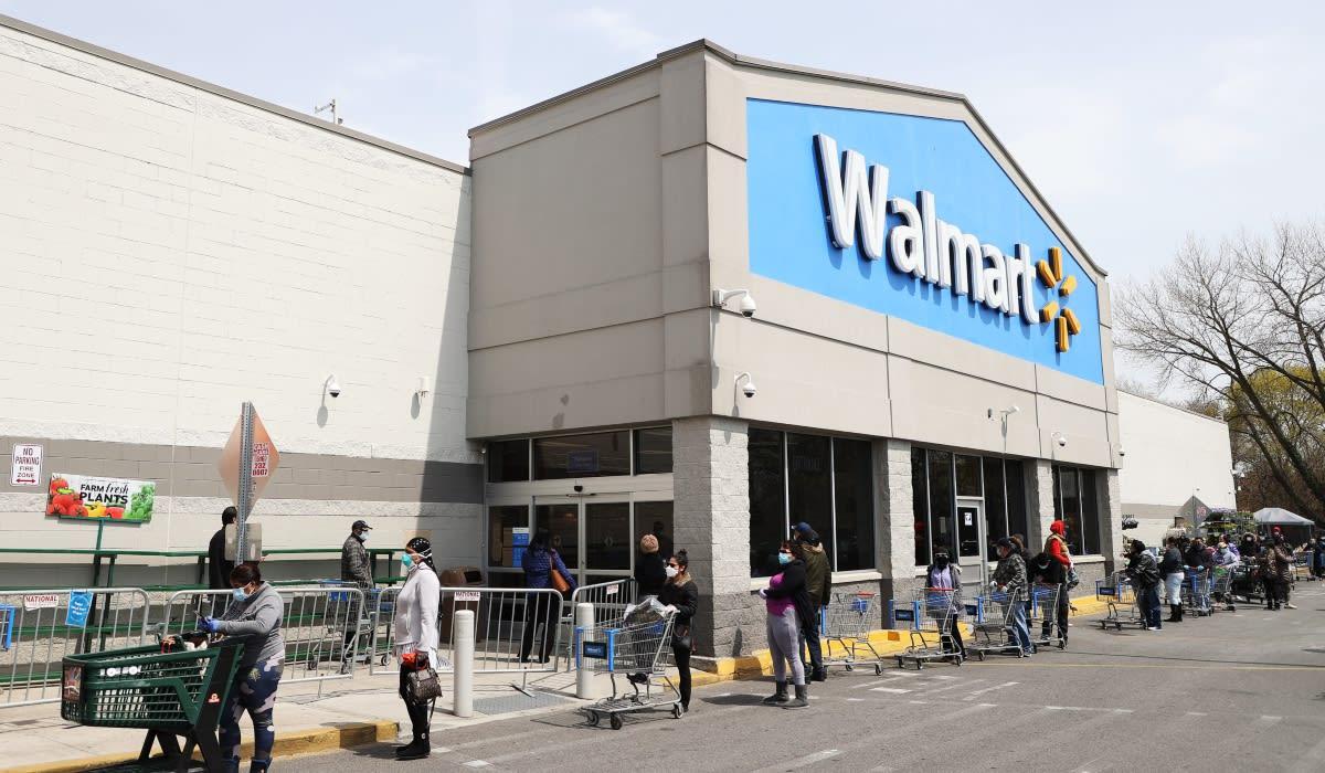 Walmart lanza un campamento de verano virtual y un autocine para ayudar a las familias en vacaciones