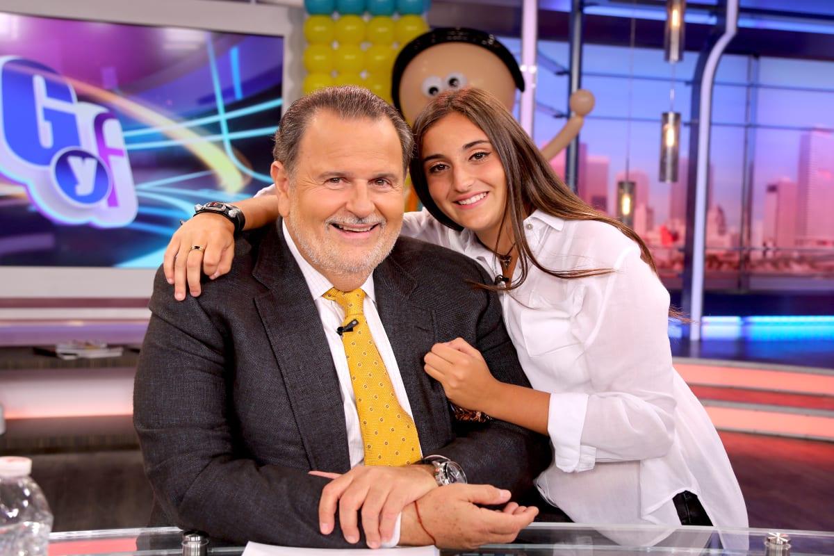 La hija de Raúl de Molina le hace la competencia a JLo al posar en bikini (FOTOS)