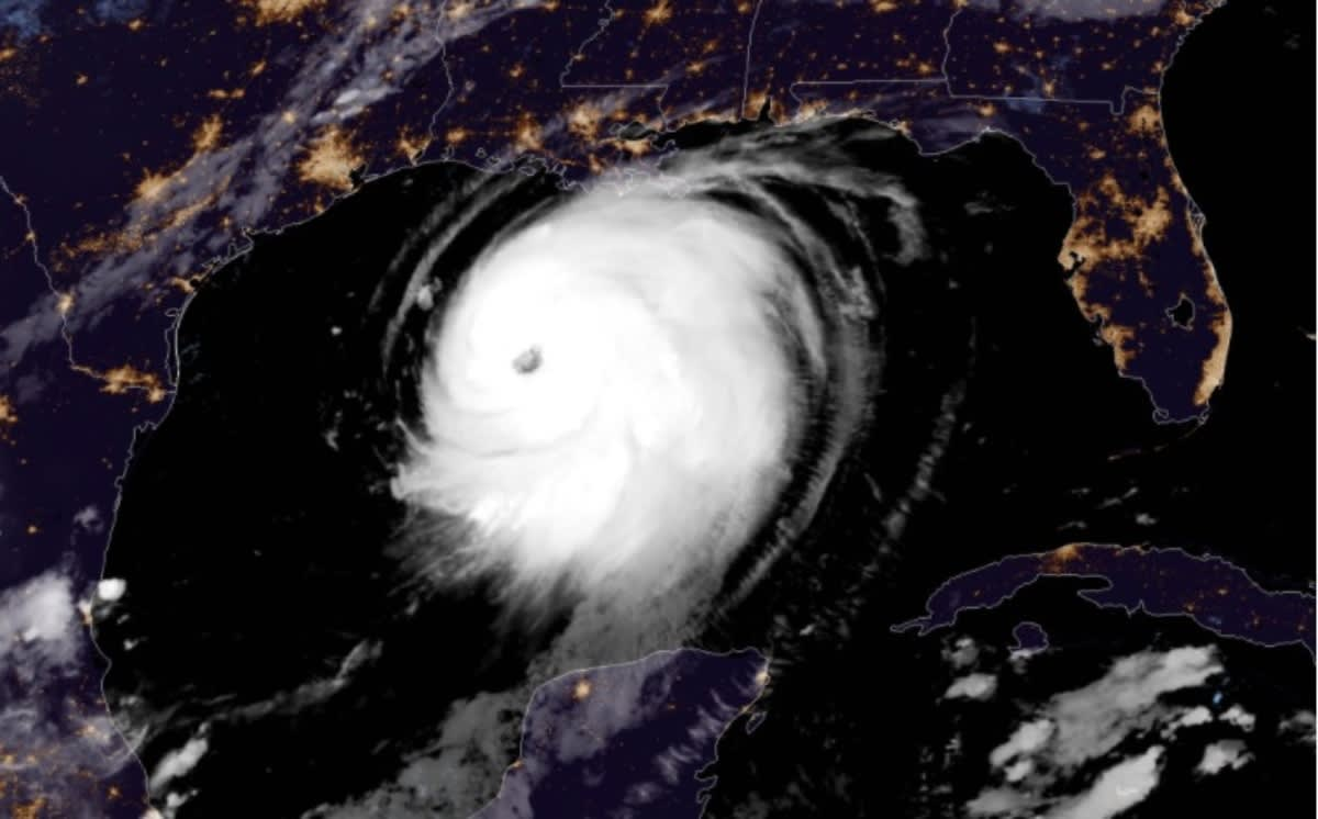 ALERTA: Huracán Laura llegará a categoría 4, como Harvey, y cientos de miles son evacuados