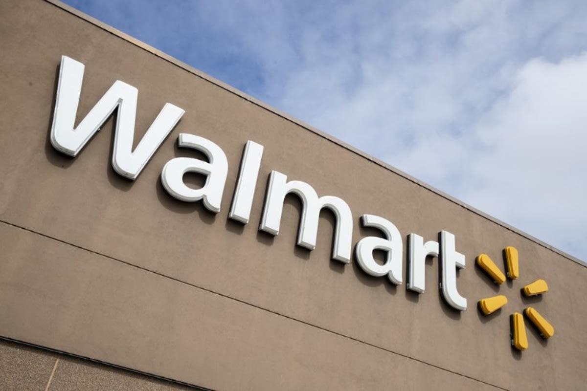 Cliente desata escándalo en Walmart tras negarse a usar mascarilla (VIDEO)