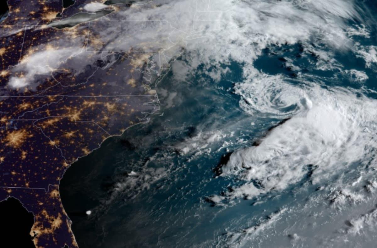 Tormenta tropical Omar se forma frente a la costa este de Estados Unidos