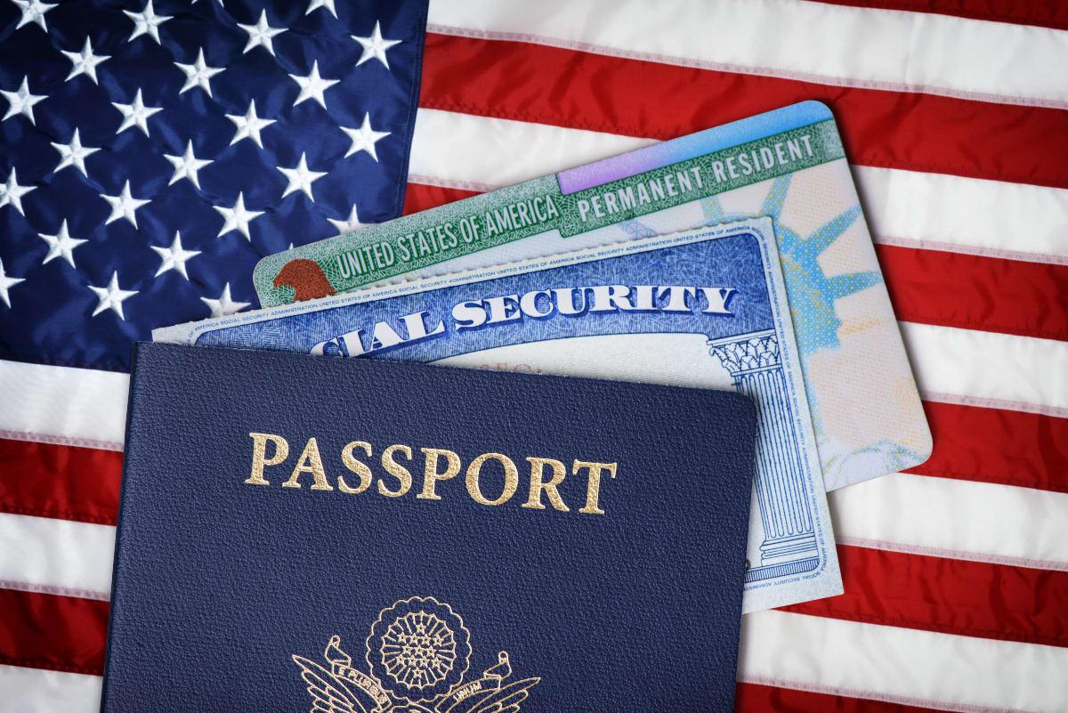Autoridades migratorias modifican el cuestionario para obtener la ciudadanía de EEUU