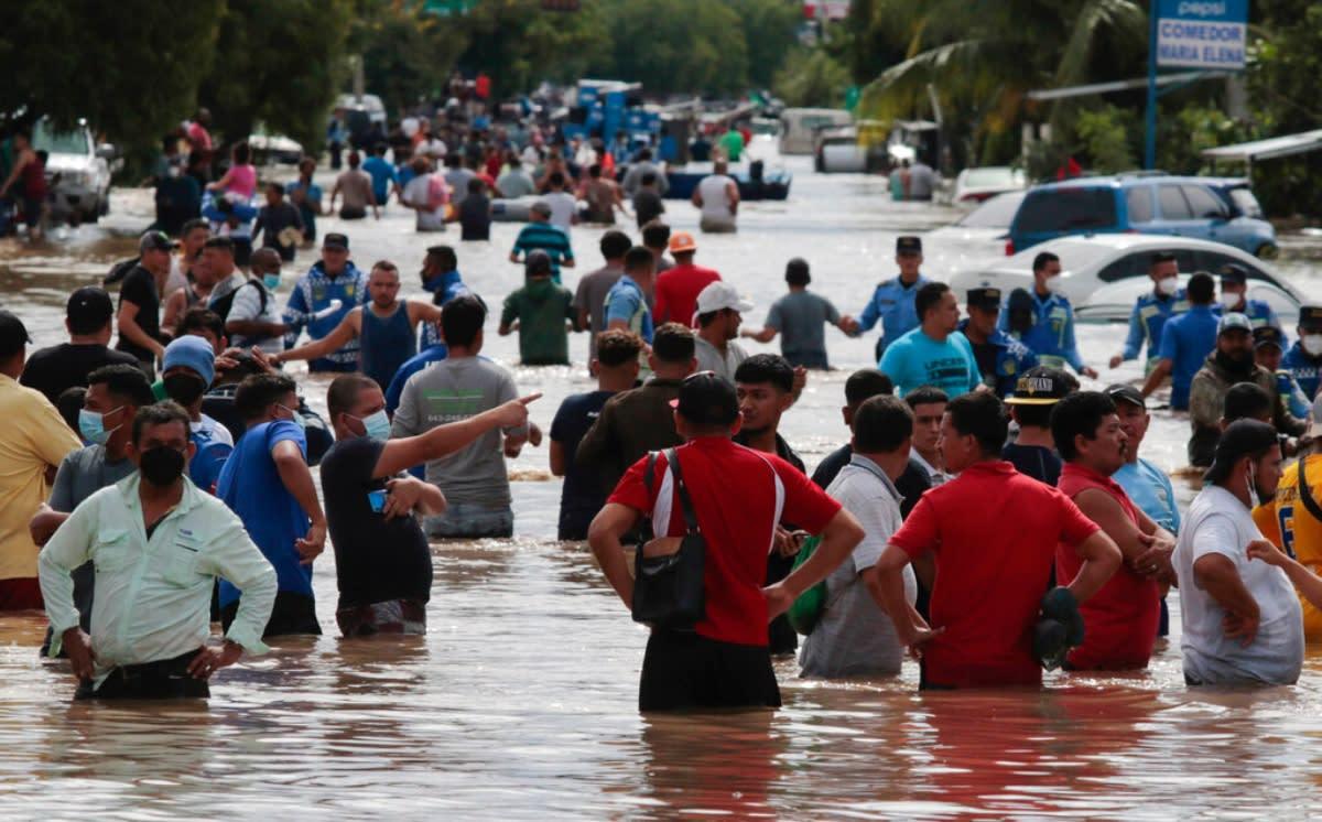Iota ya es huracán y causa angustia en Honduras y Nicaragua