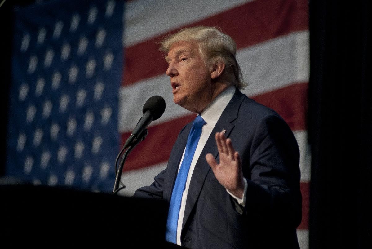 Trump anuncia que intervendría en demanda de Texas que alega presunto fraude electoral en 4 estados