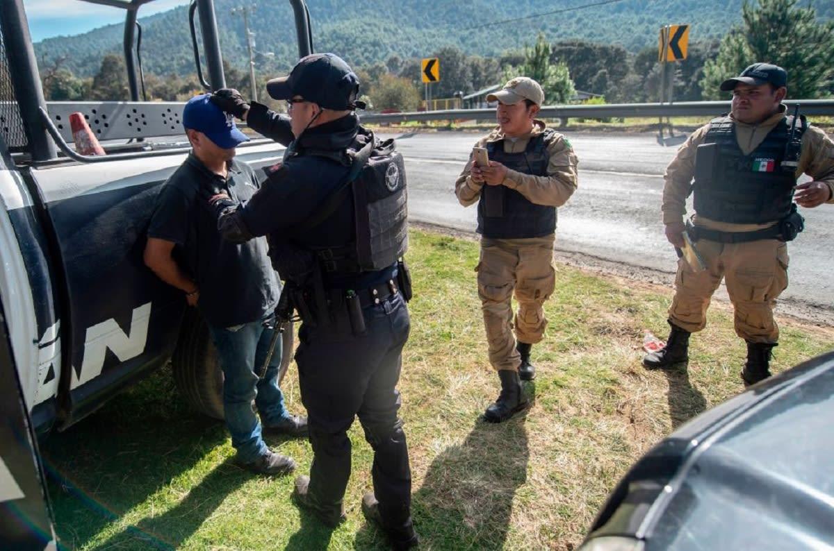 En plena Navidad atacan a policías en Coahuila, México y dejan narcomensajes (FOTOS)