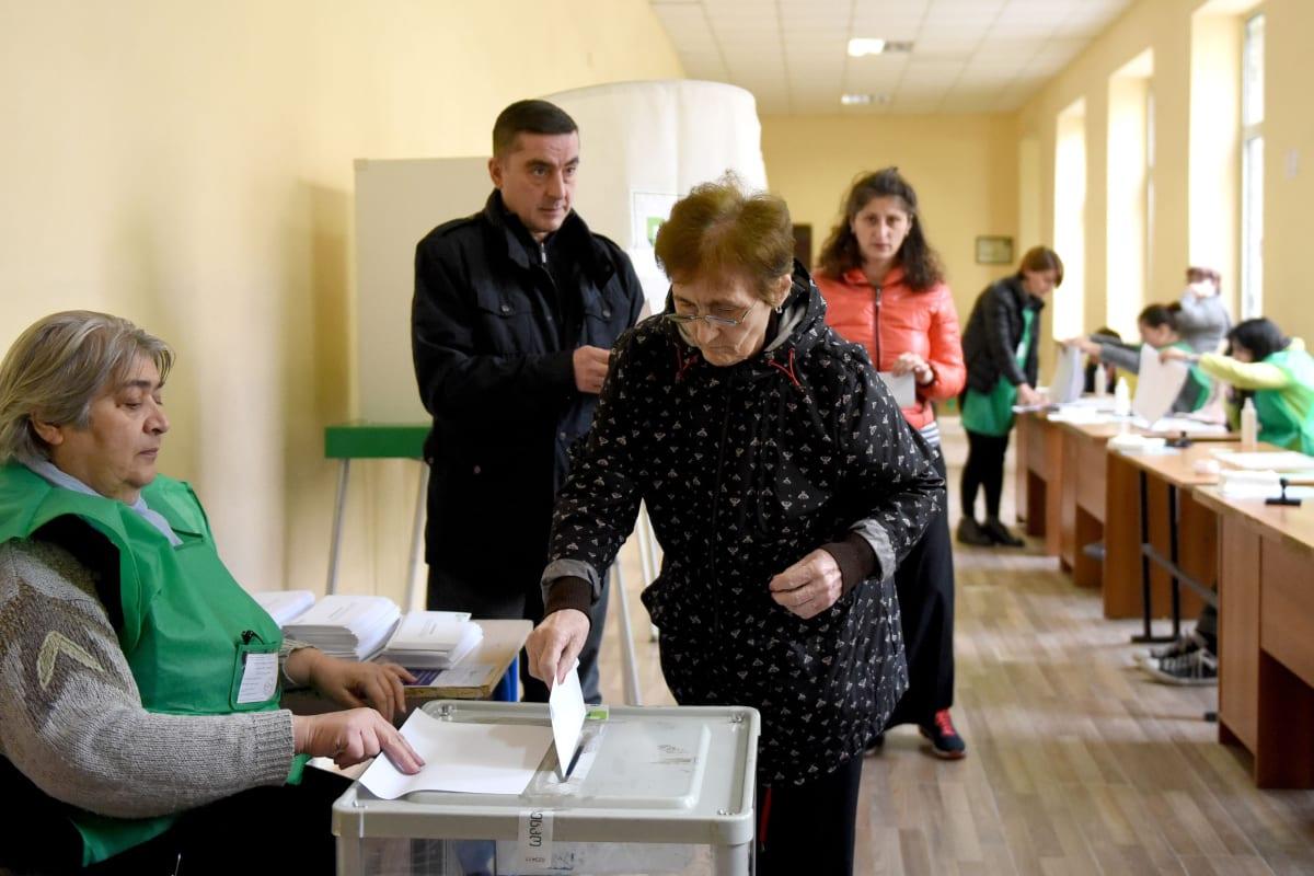 Lanzan versión en spanglish de Georgia on my mind para motivar al voto latino en las elecciones del Senado