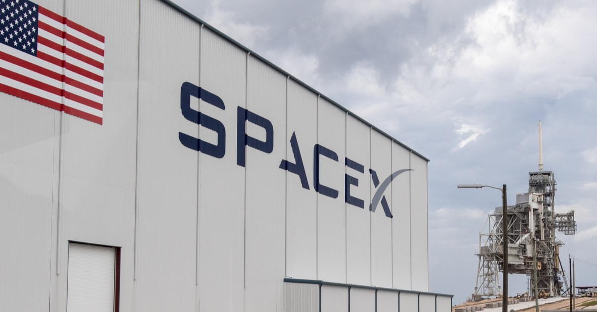 SpaceX convertirá plataformas petroleras en plataformas de lanzamiento de cohetes