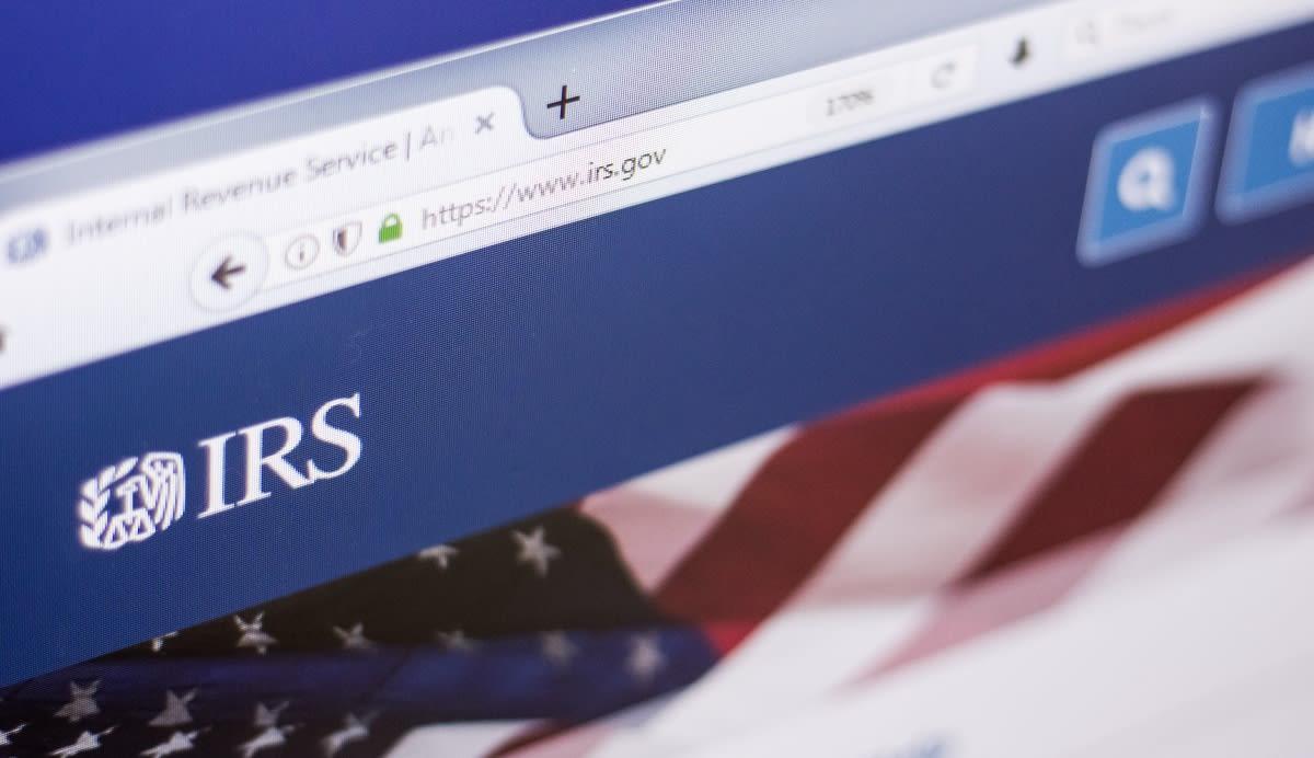 Impuestos 2021: Crédito del IRS podría dar hasta $6,600 a familia con tres hijos