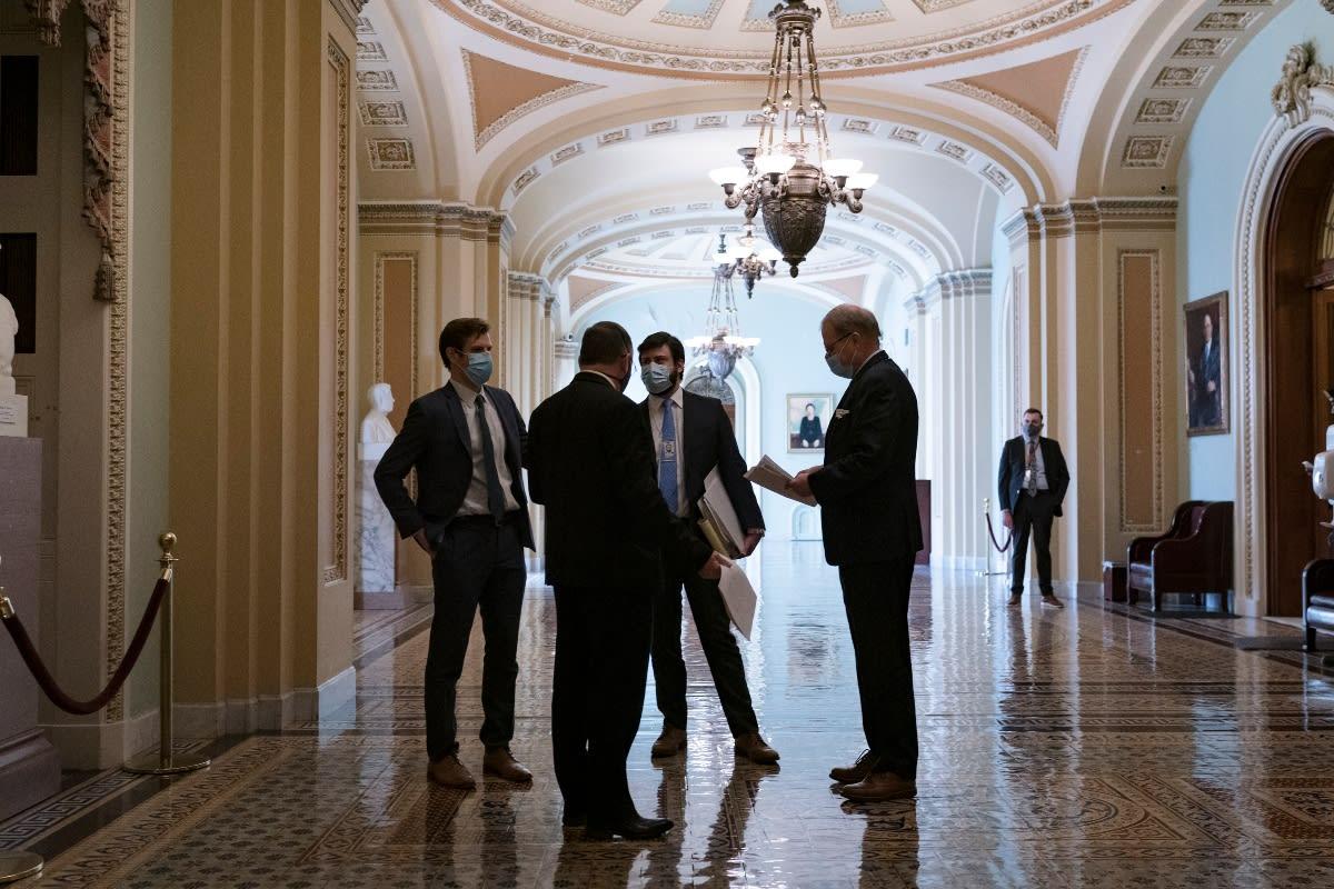 Senado acuerda reducir pago de cheque de estímulo económico