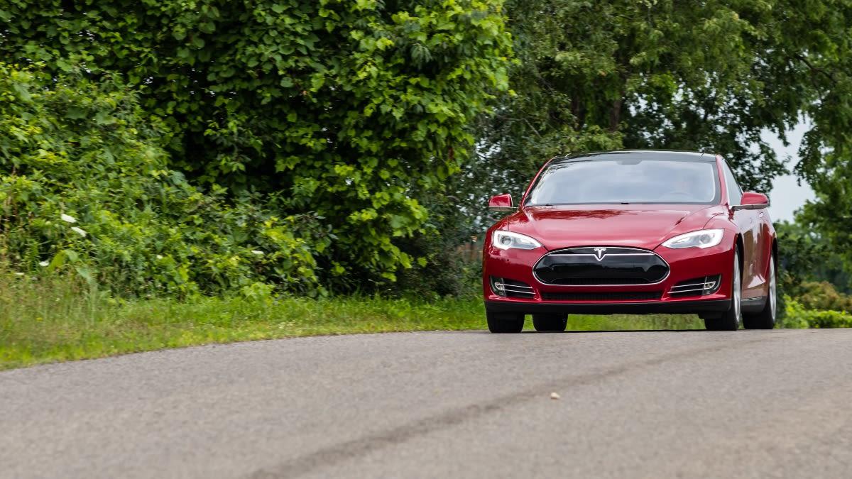 Choque de Tesla deja dos muertos con el conductor automático activado (FOTOS)
