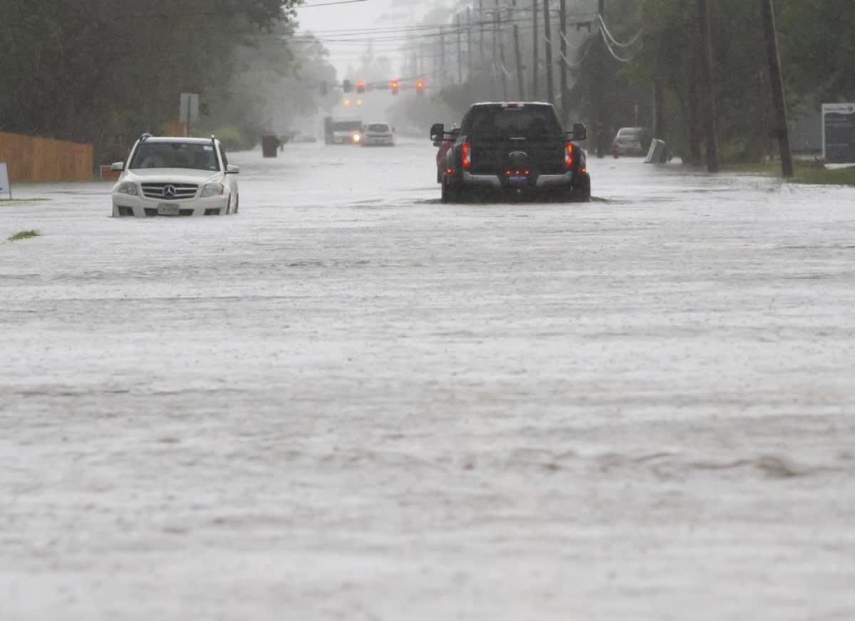 Texas y Luisiana declaran estado de emergencia tras inundaciones