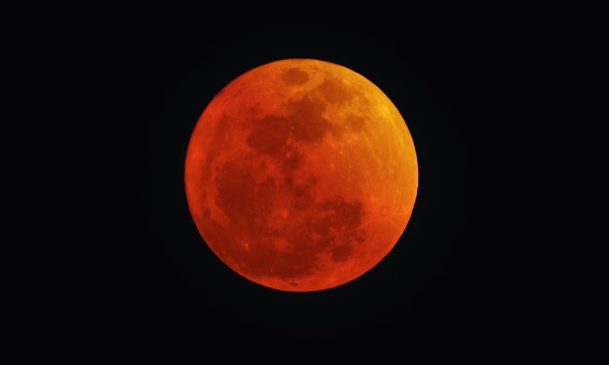 Tres fenómenos, incluyendo una superluna roja, ocurrirán este 26 de mayo